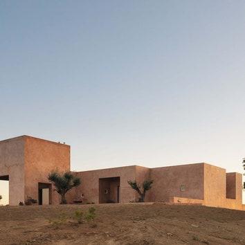 Дом с бассейном в Португалии