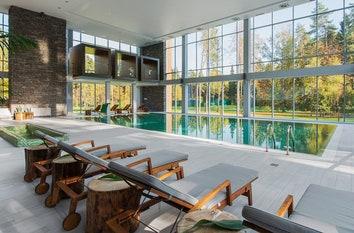Лучшие отели с бассейном в Москве и Подмосковье: 12 вариантов для отдыха в выходные