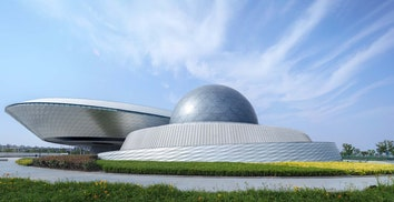 В Шанхае построен крупнейший в мире астрономический музей — Shanghai Astronomy Museum