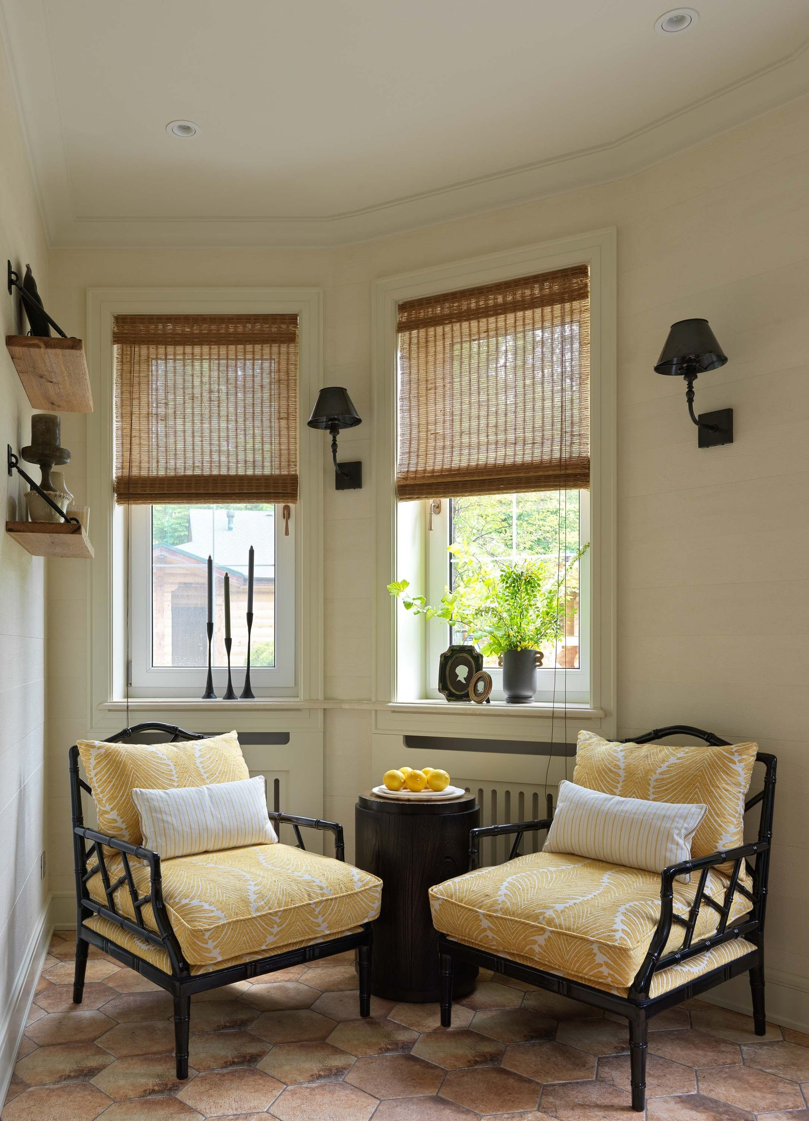.  Guadarte   Hooker Furniture  Visual Comfort amp Co.    Don Maison.      Moonstores.    .