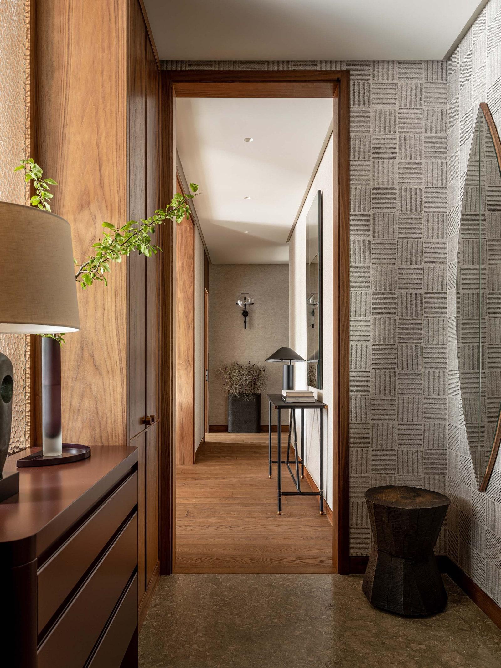 .       .         Oldwood   Drozhdini     Porada  Denis Milovanov SHA Concept        Julian Chichester Empire Design  ...