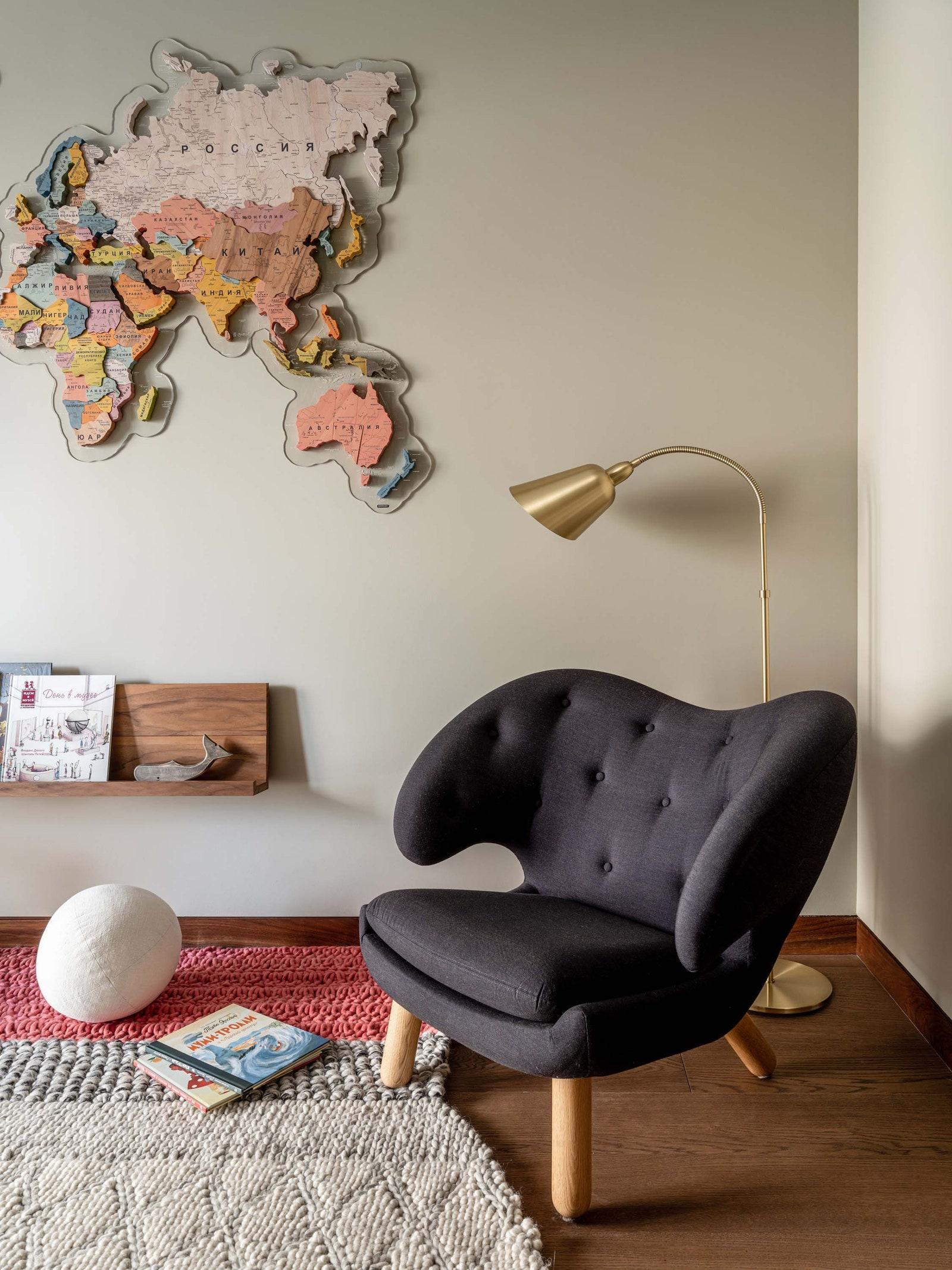 .   Pelican Chair   1940  Gallery Beke        Oldwood  Gan Empire Design   My Bukva   ampTradition  Argile Peinture Manders.
