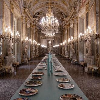 Выставка в честь дизайнера Вито Неста в Королевском дворце в Генуе