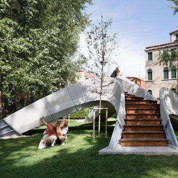 На Венецианской архитектурной биеннале появился пешеходный мост Striatus, напечатанный на 3D-принтере