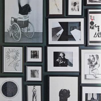 Как разместить фотографии на стене: советы международной галереи фотографии YelowKorner