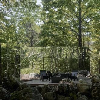 Зеркальные номера экоотеля в Канаде