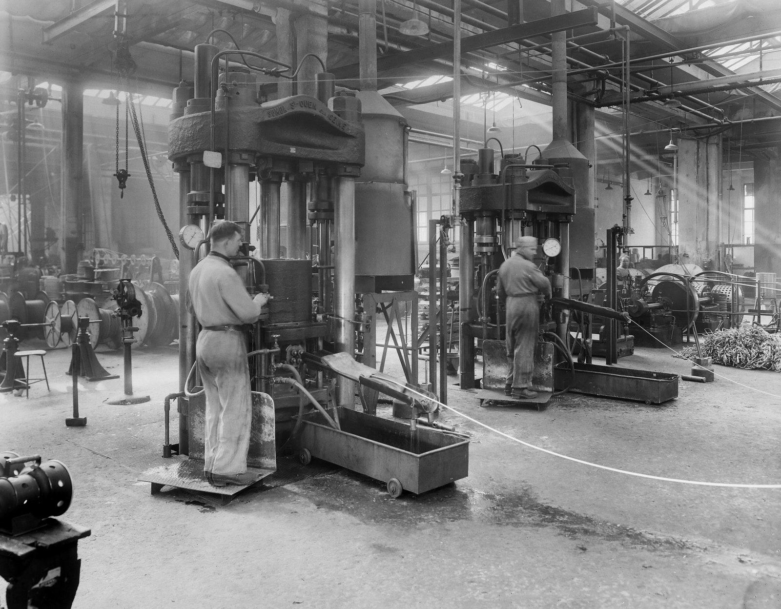 .  Pirelli. .    19201930.  Collezioni ICCD Roma.