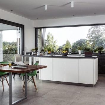 Как выбрать окна для загородного дома: советы эксперта