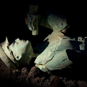 "Гриша Брускин. ""Коллекция археолога"". Бронза. 2013. Фотографии проекта Гриши Брускина в""Ударнике""."