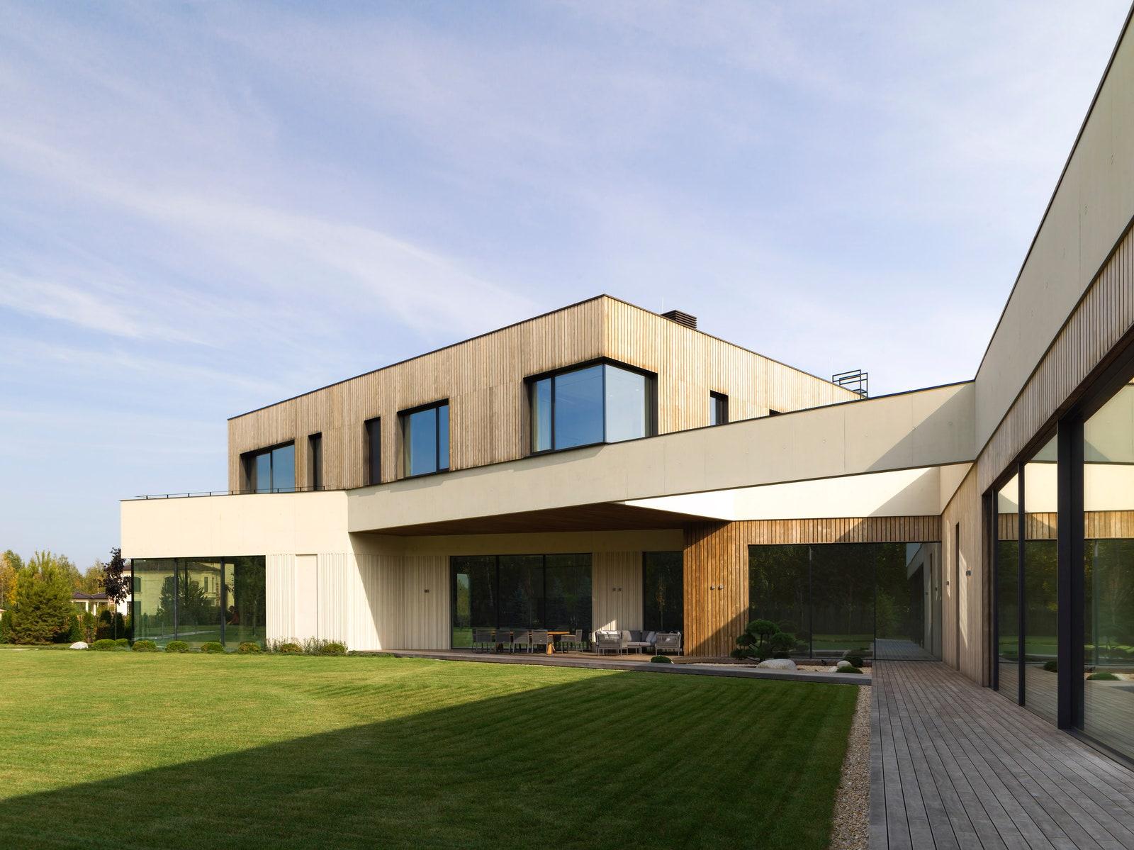 .  Kebony Wood  Keller Minimal Windows Ergohaus.