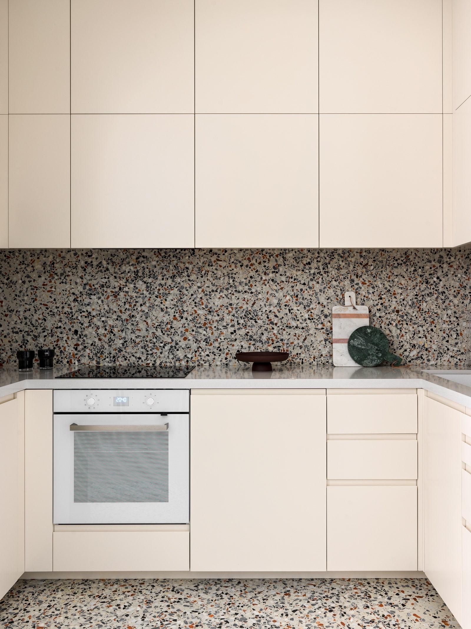 IKEA        Polifloor  Blanco  Barcelona Design.