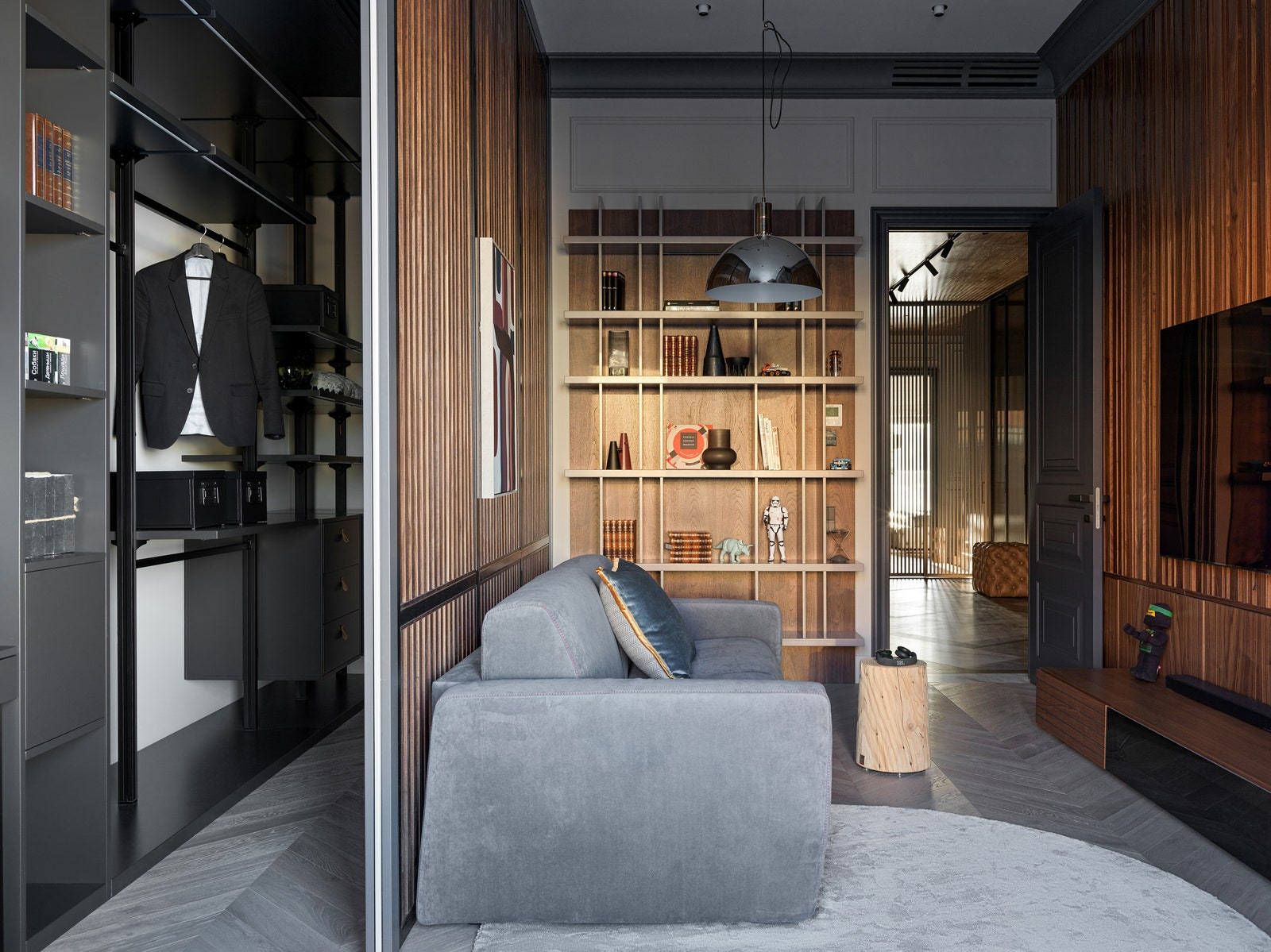 Tyson Felis    BoConcept   Legno Vivo           Nemo  Scanddyy  Barcelona Design  Enere  Moonstores  Barcelona Design.