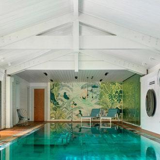 Как оформить: 5 оригинальных бассейнов в загородных домах