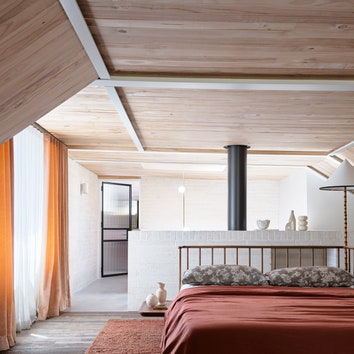 21-Alexander_House-Loft-space-housing-accommodation-for-our-team-as-well-as-internal-meeting-area.jpg