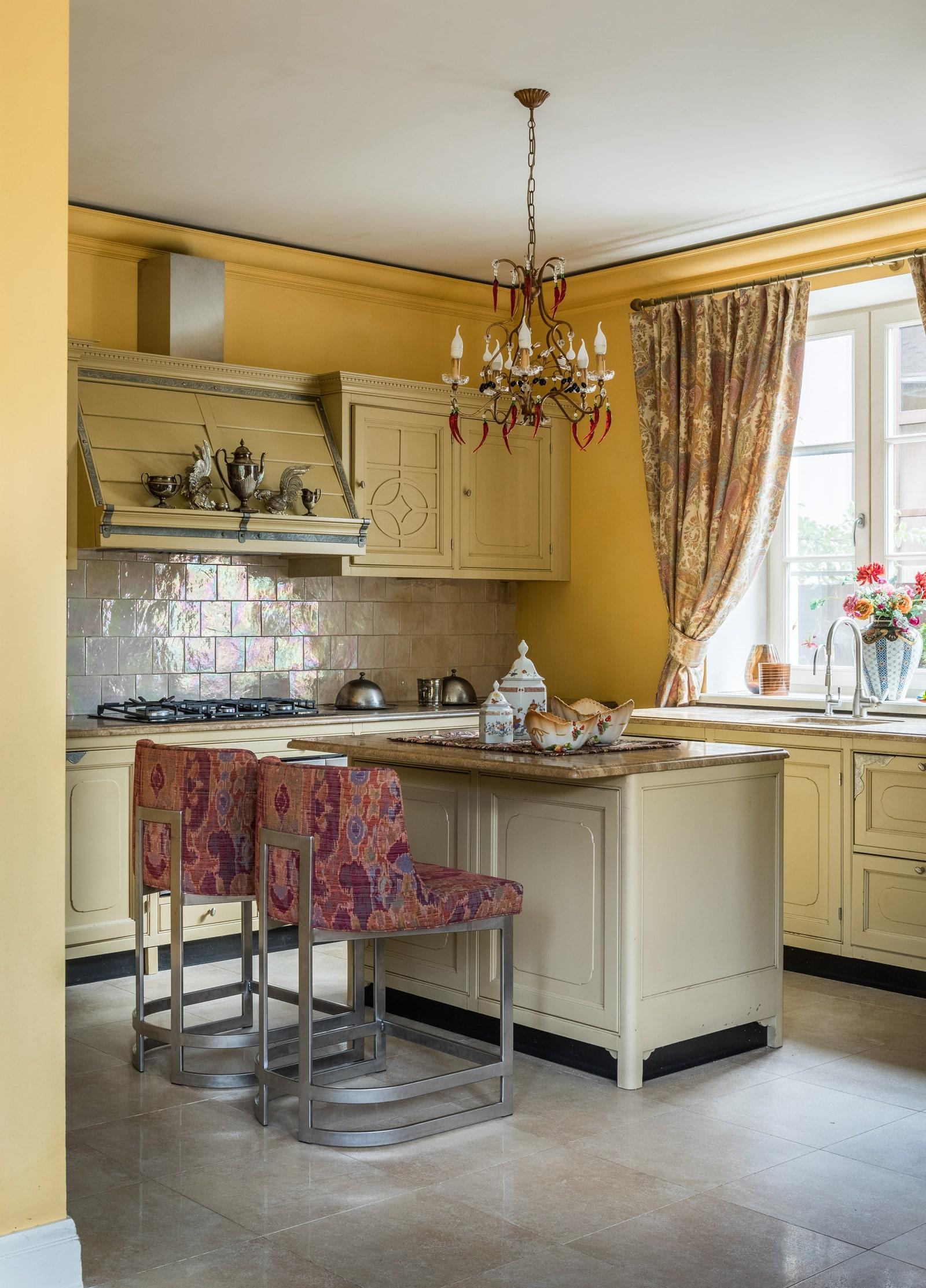 .   Marchi Group  Tredici Design    Etro  Century Furniture  Robert Allen        Eco Ceramica L.M.M.   .