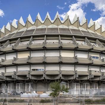 Архитектура в объективе: бруталистские здания Мадрида в фотопроекте Роберто Конте