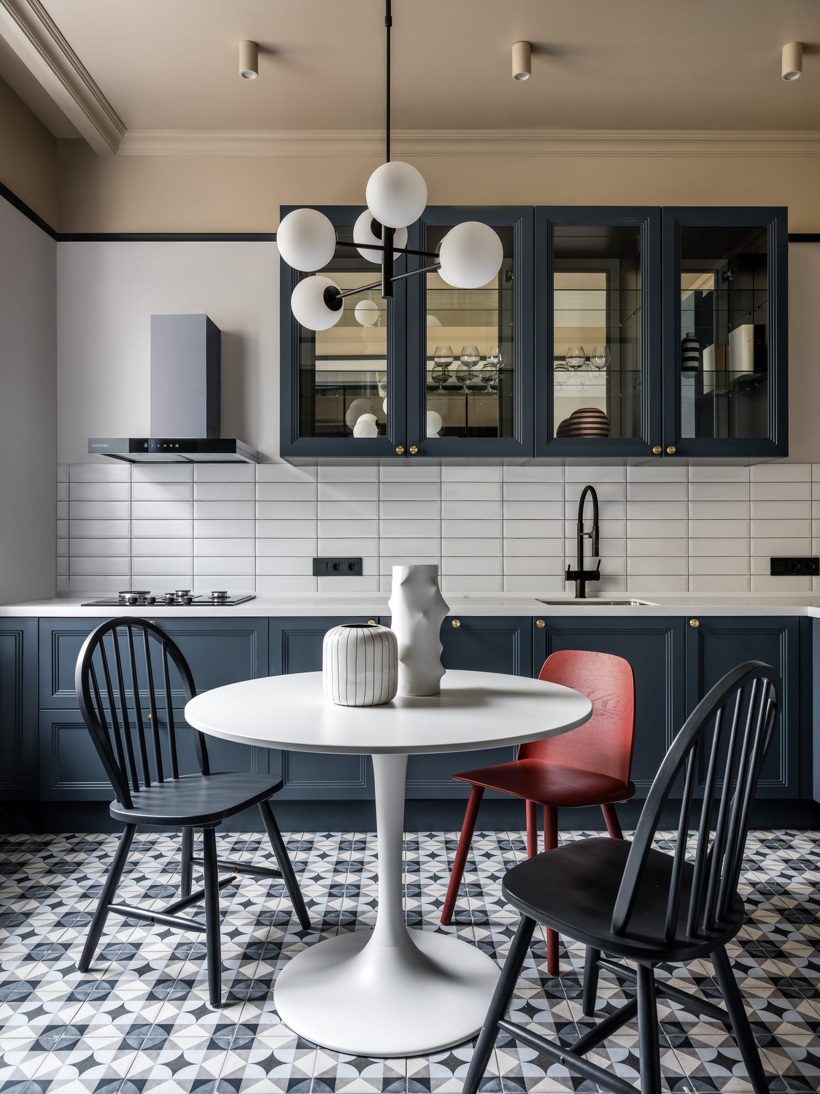 .   L'appartement              IKEA            Kerama Marazzi     Equipe.