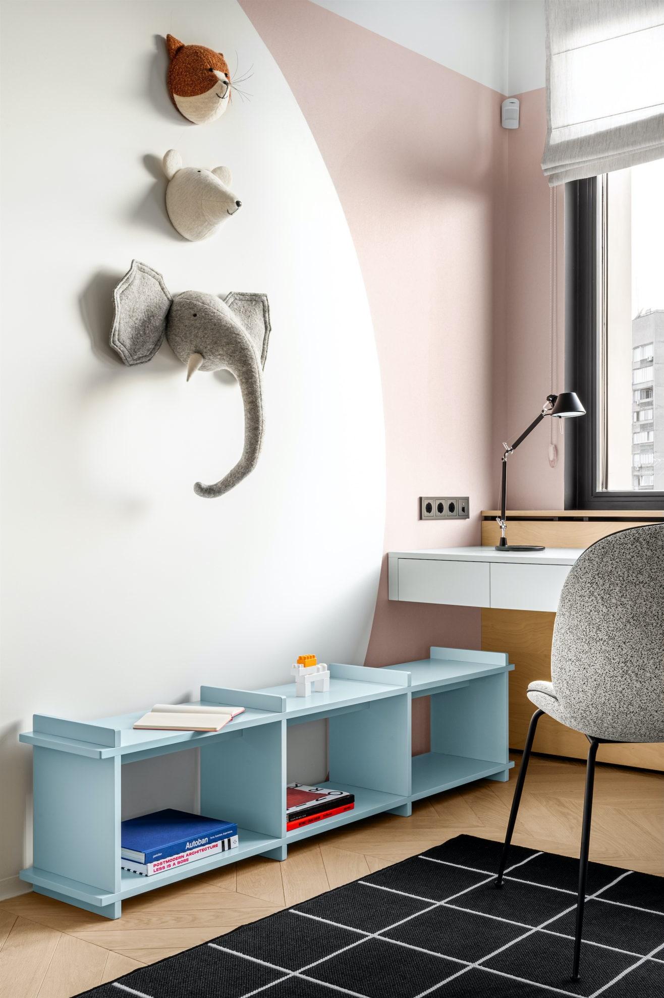 .  .       Korso  Gubi  IKEA   Lavkach   Artemide.