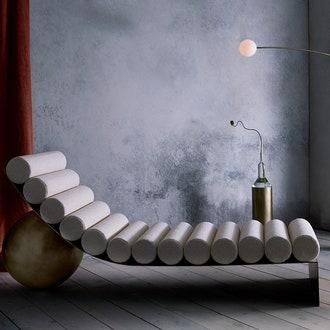 Табуреты-шахматы и кушетка из стали от Анны Карлин