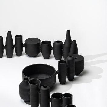 Черная керамика по дизайну Ноэ Дюшафур-Лоранса