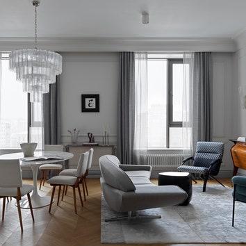 Квартира с винтажной мебелью, 130 м²