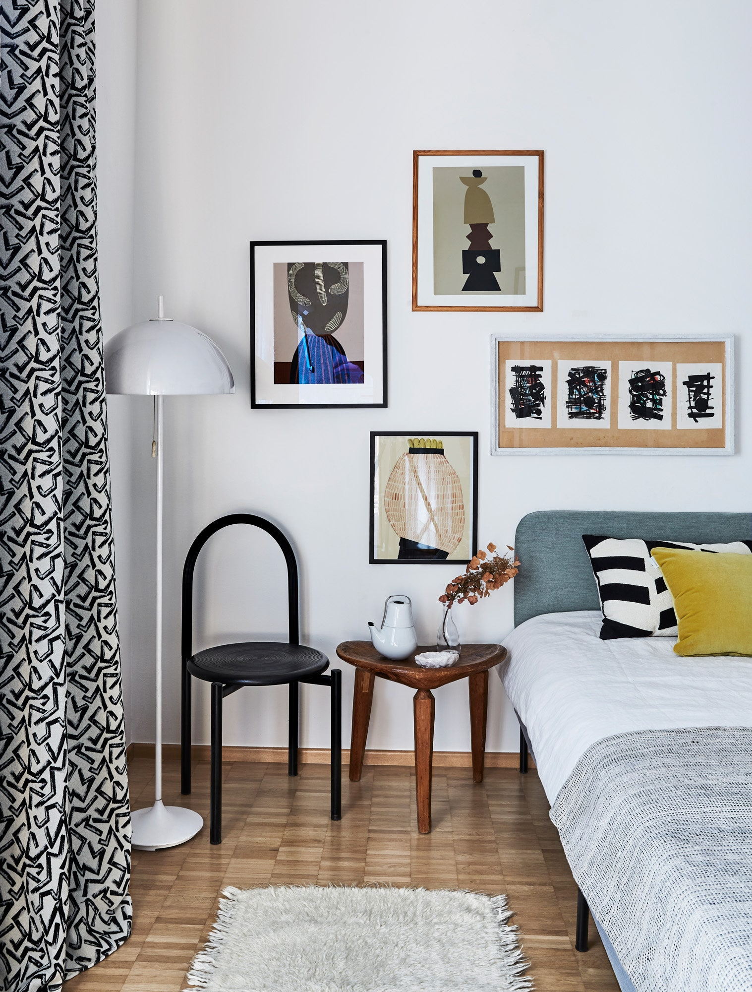 .  IKEA                  60           .     70 .