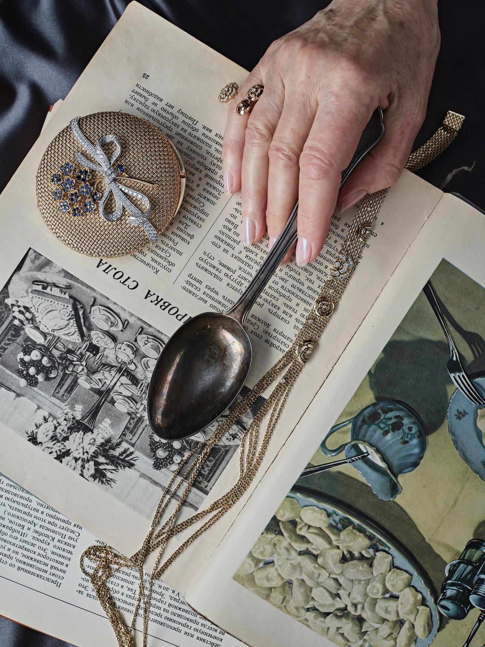 Myosotis        Van Cleef amp Arpels   Vintage Cuttlery  Home Concept  Extrait de Camlia      Impression de Camlia   ...