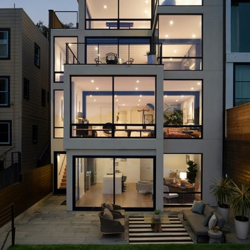 Дом с двумя разными фасадами в Сан-Франциско