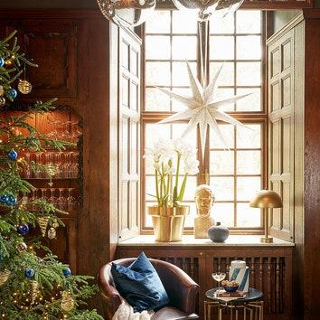 Как украсить окно на Новый год: 10 идей с фотографиями и вариантами декора