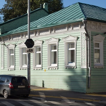 В Москве снесли дореволюционный деревянный дом