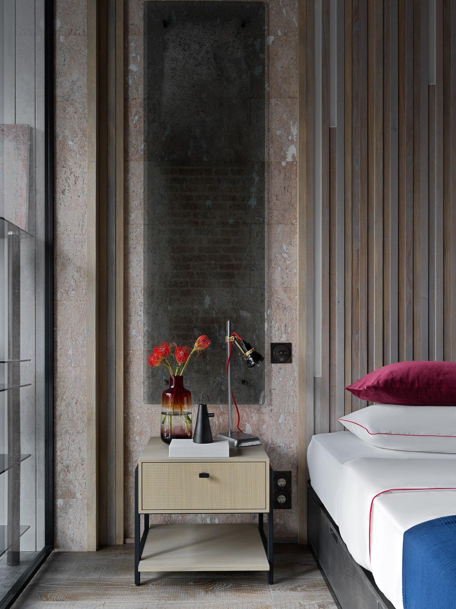 .         Finex.      Giulia Novars  Archpole  Centrsvet  Moonstores Barcelona Design.