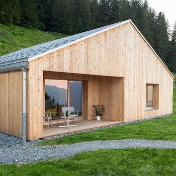 Экологически чистая деревня в Швейцарских Альпах