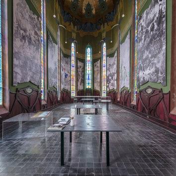 Архитектура в объективе: руины замка Лоуренса в фотопроекте Ромена Вейона