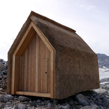 Экспериментальный дом из тростника в Альпах