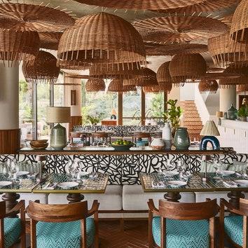 Ресторан Beefbar на афинском побережье