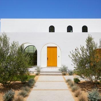 Современный дом в испанском стиле в Калифорнии