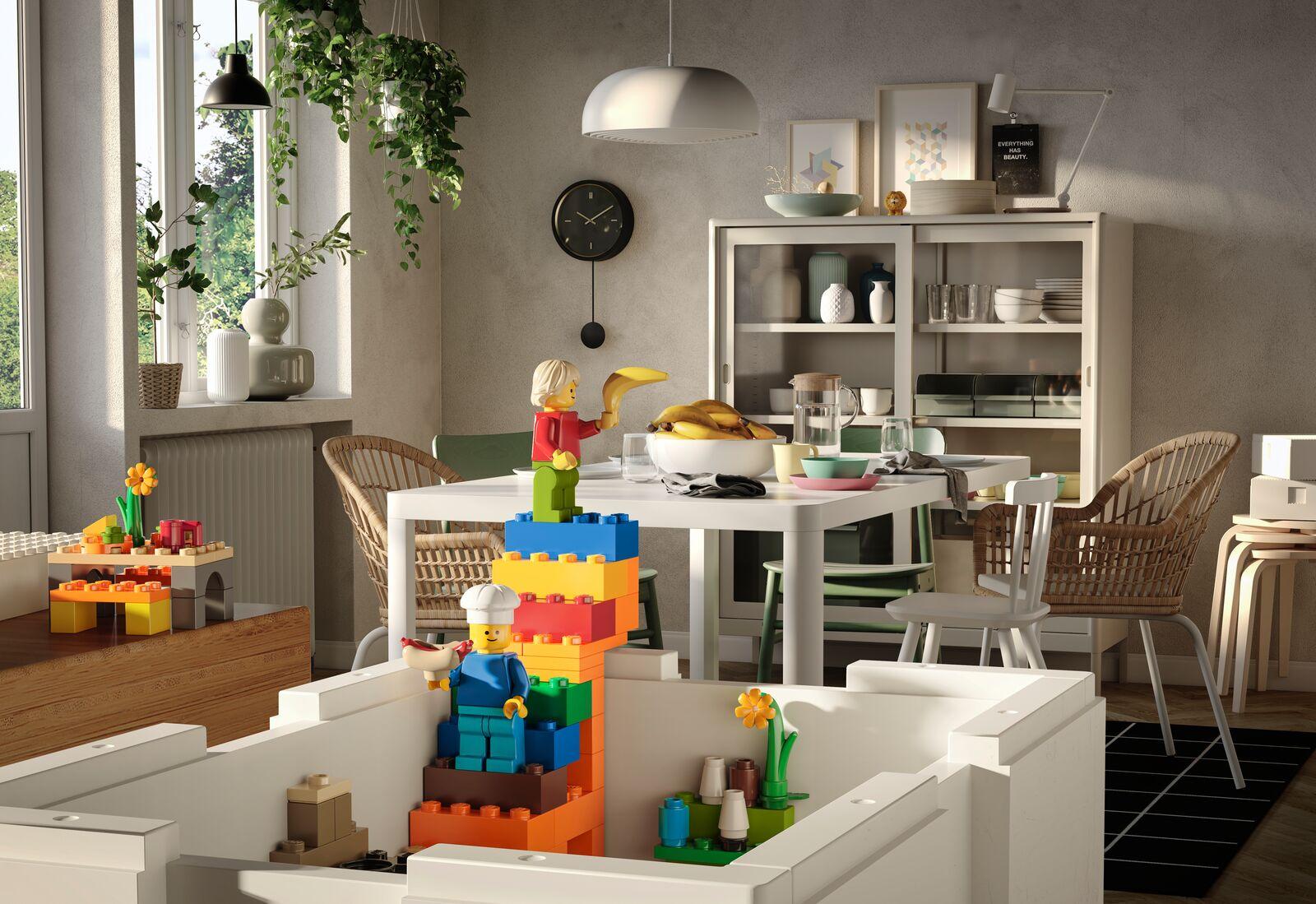 IKEA  LEGO