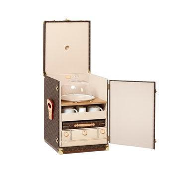 Уникальные предметы из коллекции Objets Nomades в апартаментах Louis Vuitton в ГУМе