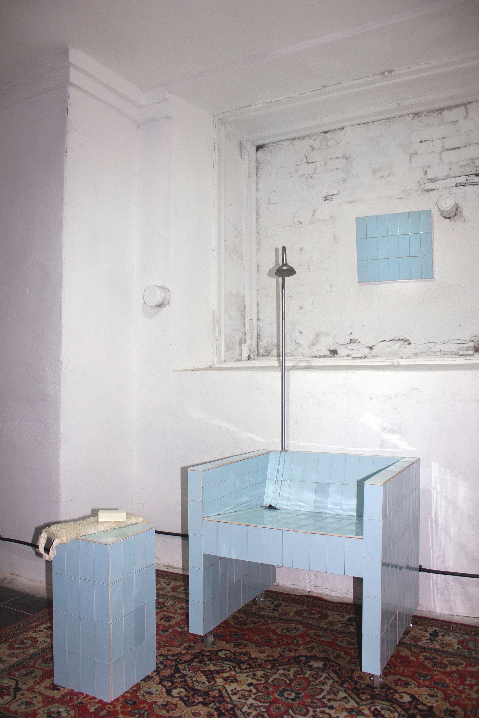 Shower Mode 2020.  . 77  66  150 . Courtesy fbula gallery and Petr Kroshchinskiy.