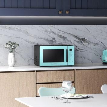 Идеальное решение для небольшой кухни: интерьерная микроволновая печь