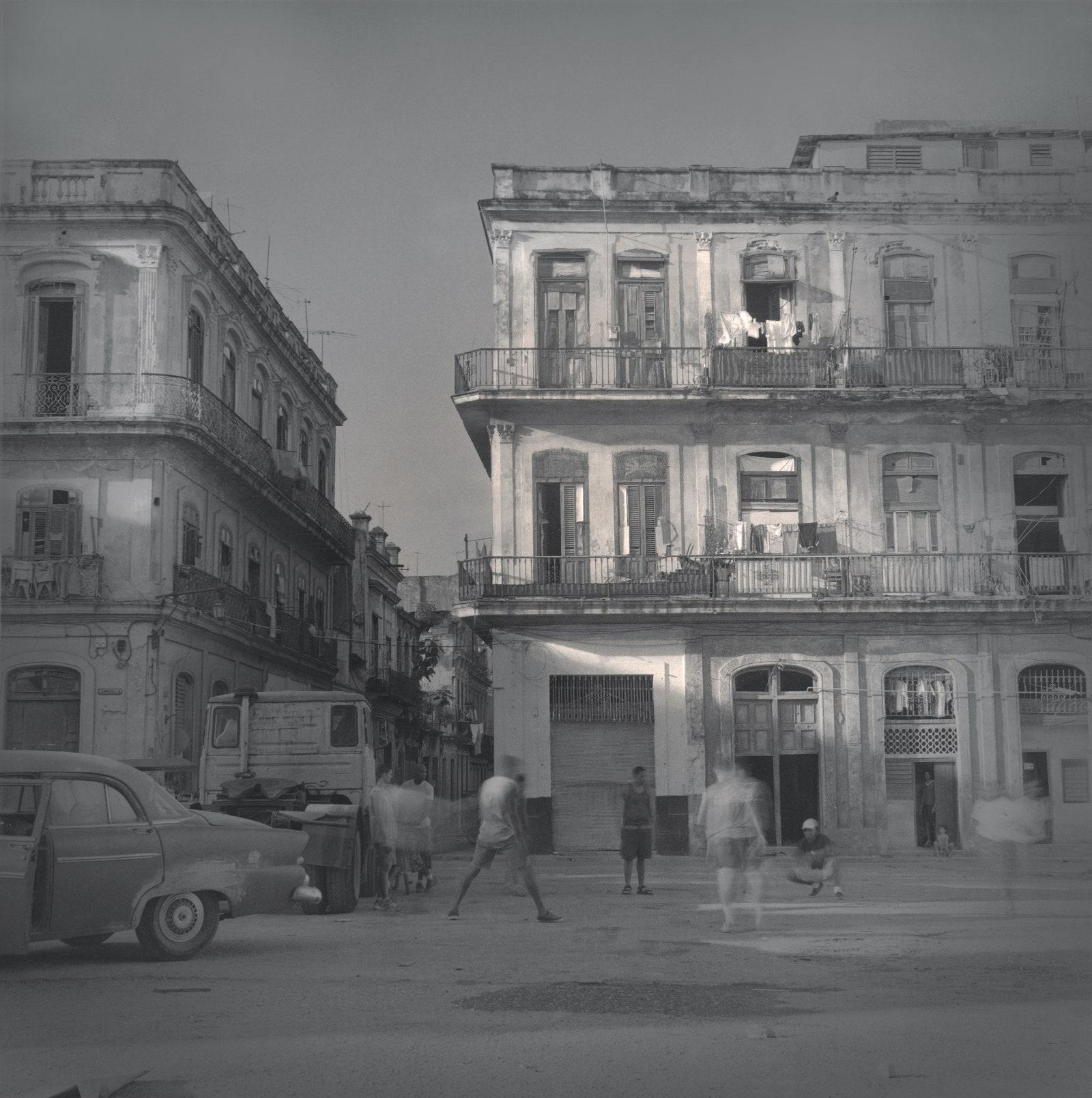 . .   . Plaza del Cristo.    2003.   .  .