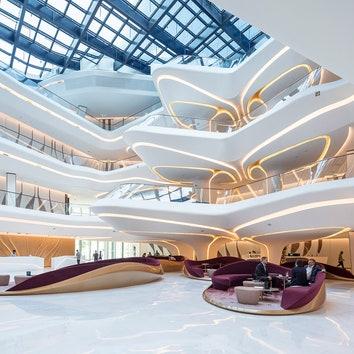 Отель ME Dubai в здании Opus по проекту Захи Хадид