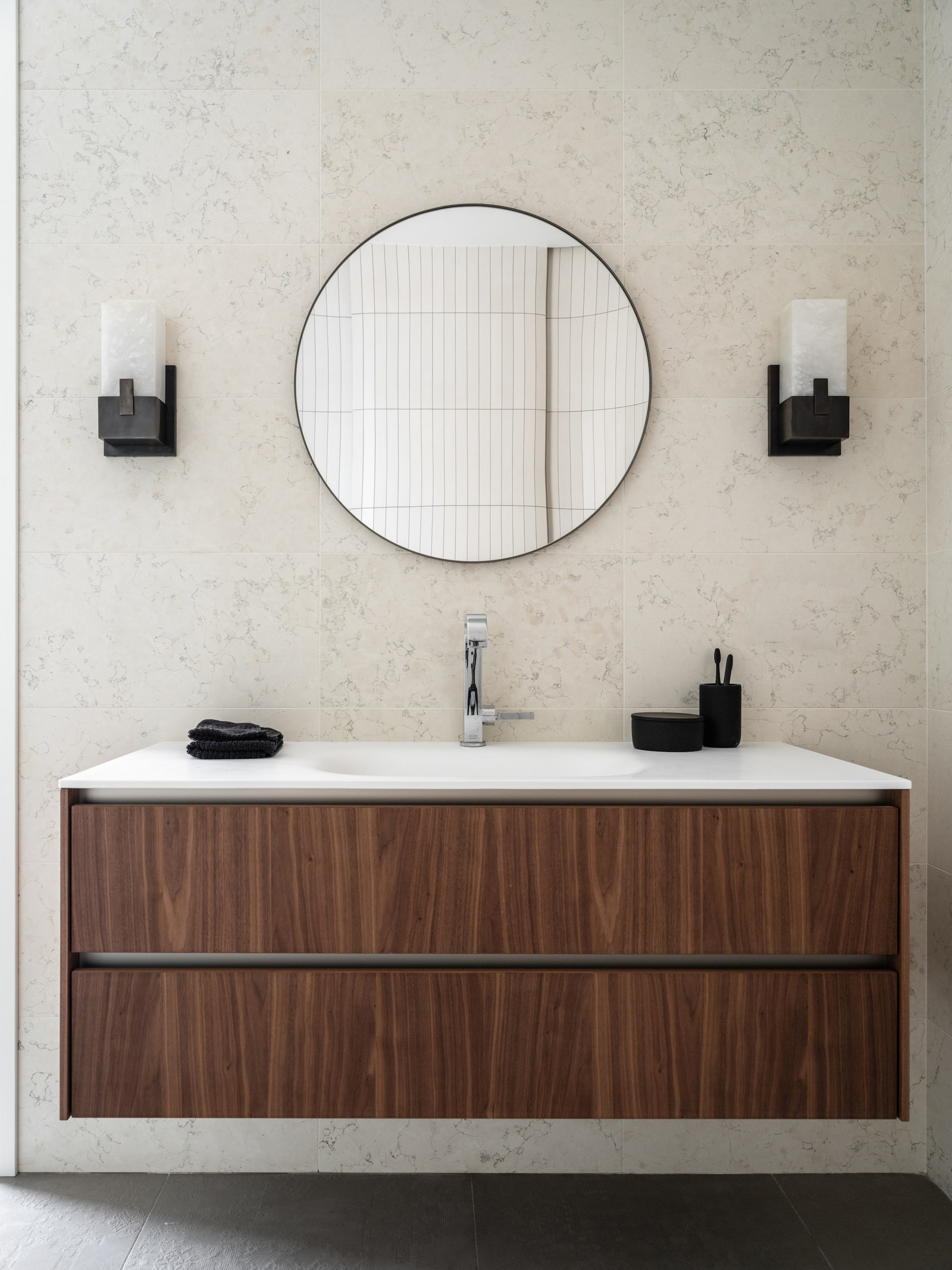 .    Biancone  Visual Comfort amp Co.  AYTM   Lappartement.
