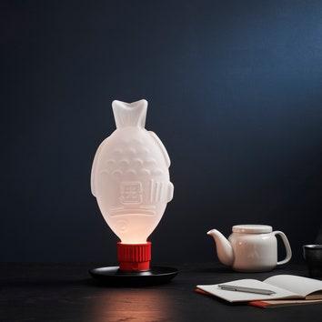 Экологичные лампы в форме одноразовых флаконов с соевым соусом