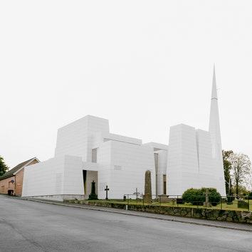 Церковь с фарфоровым фасадом в Норвегии