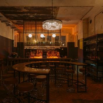 Ночной клуб в историческом здании в Польше