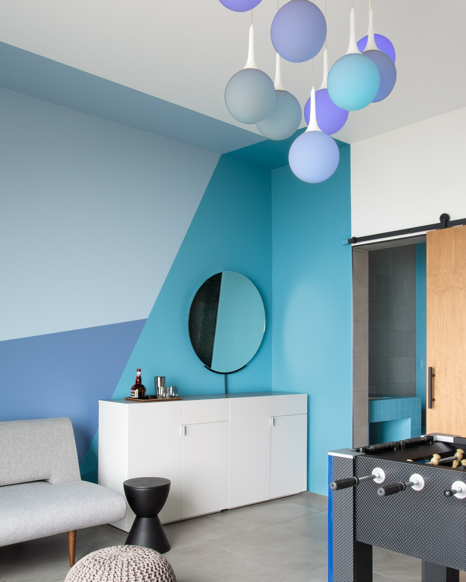 .     Innovation Living.  Blue Dot        Hue Philips        Atomic Azure  Dura Poxy KellyMoore      .   Ergon Architect.