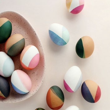 Красим яйца на Пасху: 18 дизайнерских идей