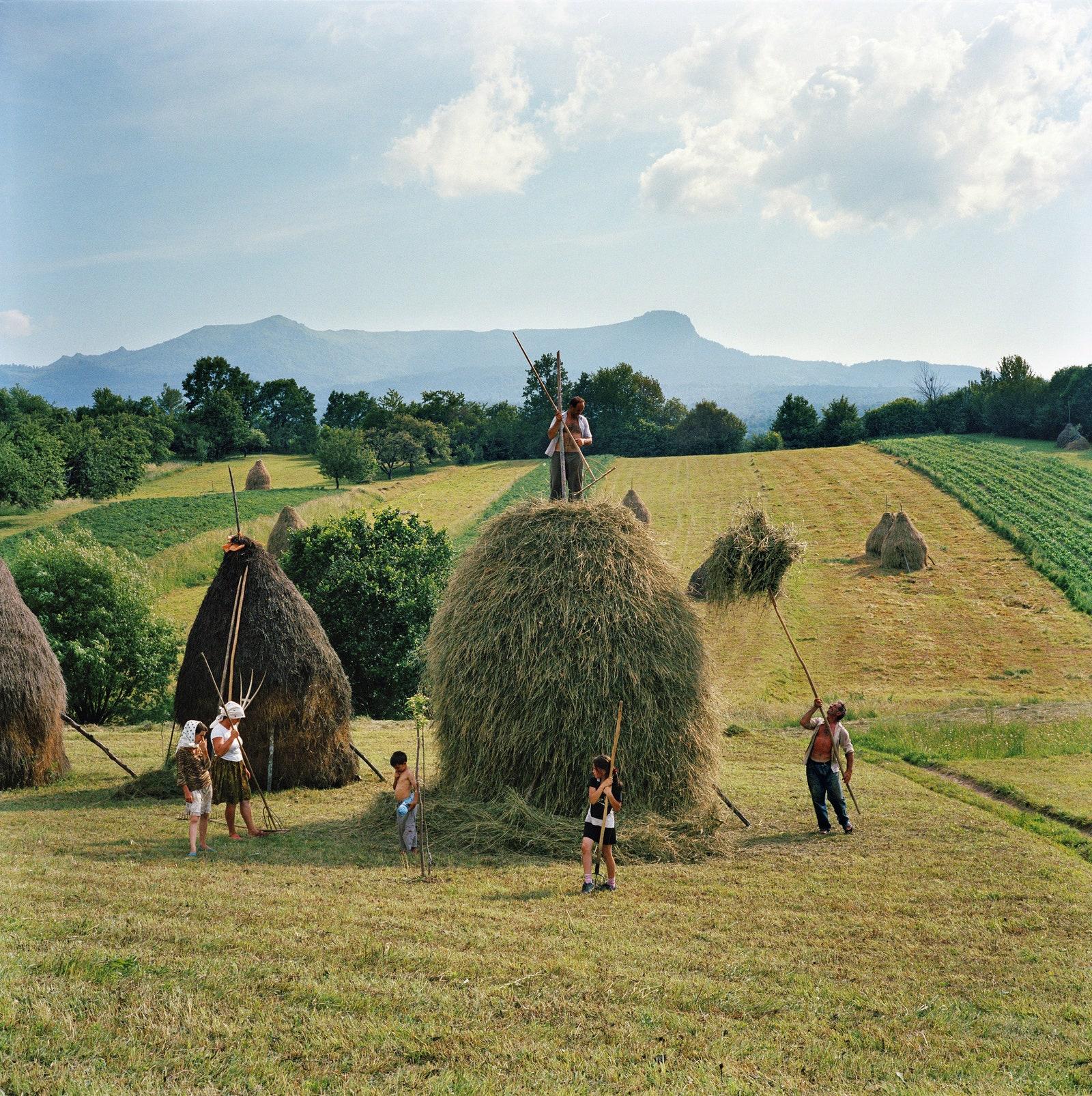 .                      .   . 2012.  Rena Effendi Prix Pictet