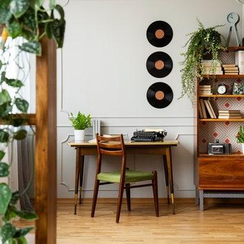 Обновляем интерьер во время самоизоляции: 20 магазинов, которые доставят предметы мебели и декора на дом